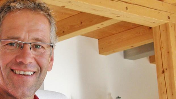Porträt: Gerhard ZadrobilekDer ehemalige Rad-Profi ist Wirtschaftscoach, Motivationstrainer, Landwirt, ORF Co-Kommentator und Betreiber eines Online-Portals.