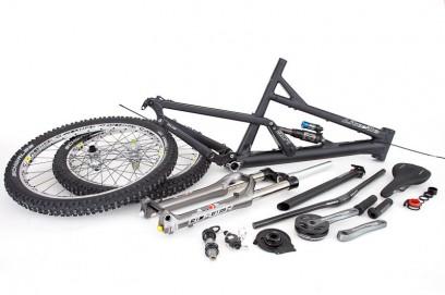 Mavic Laufräder, Syntace Anbauteile, Marzocchis 66er RC3 EVO und Hammerschmidt AM