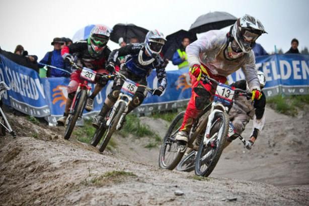 Hannes Slavik (Alpine Commencal) steigt nach Verletzungspause und BMX-Training wieder ins Renngeschehen ein.