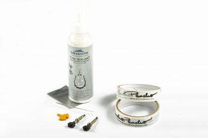 Pancho Tubeless Kit + Vredestein Milch