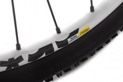 bei den Laufrädern vertrauen wir auf die leichten Enduro-Laufräder Mavic Crossmax SX