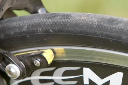 mit Alu-Flanken bremst man in jeder Lebenslage am besten und leisesten - die Laufräder begeistern ebenfalls durch ihre Standfestigkeit