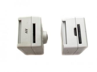 Rechts: Mini-HDMI + SD-Karte