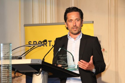 wurde moderiert (Eurosport-Stimme Karsten Migels)