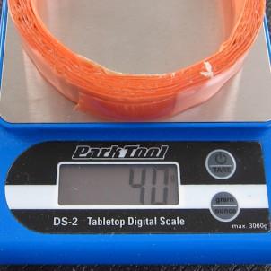 """Das RR-Band wiegt inkl. der orangenen Schutzfolie 40g und ist auf den Umfang einer 28""""-Felge ausgelegt."""