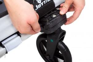 Buggy-Rad einhängen und abschließend