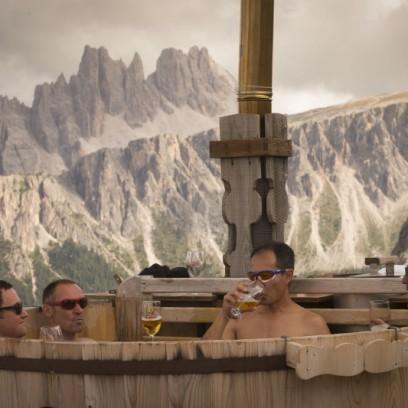 Vom Hagel verfolgt und ziemlich erschöpft, schmeckte das kühle Blonde im Hot Tub auf 2.224 Meter besonders.