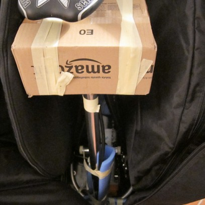 Neben der Standpumpe bietet die Tasche ausreichend Platz für Schuhe, Helm, Flaschen, etc.