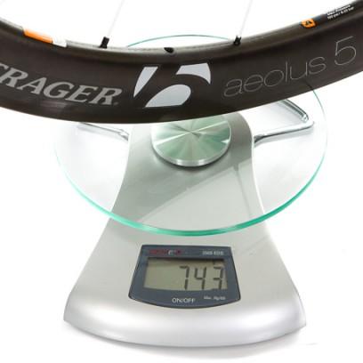 VR: 743 g