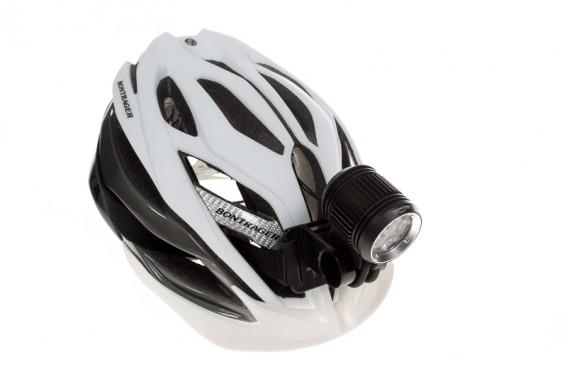 mit inkludierter Helmhalterung