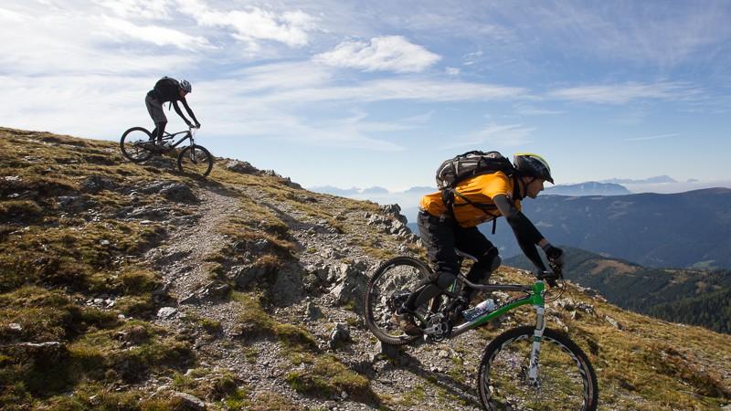 Nockbiken Regions-Report Nockberge: Ein außergerwöhnliches Bike-Wochenende mit Freunden, zwei Touren, Singletrails, Gourmet-Spezialitäten und dem Red Balloon.