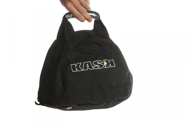 Im Lieferumfang befindet sich diese gepolsterte Transporttasche zum optimalen Schutz...