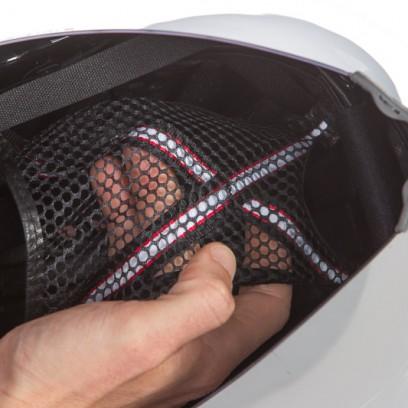 kontaktloser Sitz des Helmes durch gespanntes Netz