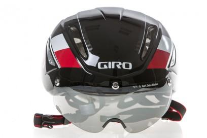 zwei Lufteinlässe an der Helmfront, drei am Visier