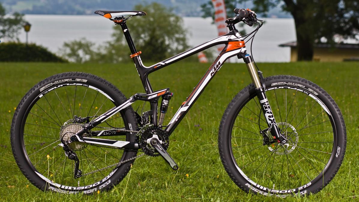 Lycan 27 Elite Carbondrei Rahmengrößen (43, 48, 53 cm)€ 2.999,-