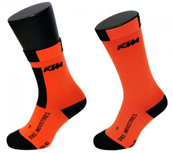 v.l.n.r. Factory Team Cycling                           € 24,99, Factory Team Recovery € 39,99