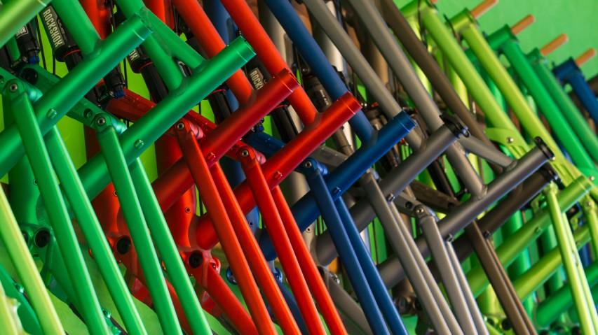 Liteville Flagship StoreBimato heißt der neue Liteville Flagship Store samt Testcenter in Haag. Der Shop ist für High-End Individualisten auf jeden Fall eine Test-Reise wert - Helm für Testfahrten nicht vergessen!