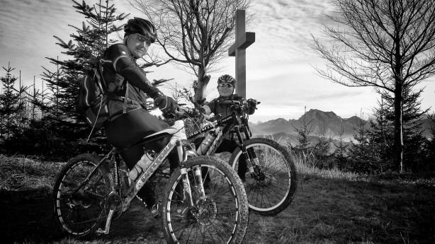 Biken im Traun- und HausruckviertelKleines Kompendium oberösterreichischer Tourengebiete: Von Wels bis Gmunden - Biken im Traun- und Hausruckviertel. Plus: alle Fakten zum Salzkammergut Bikecup 2014.