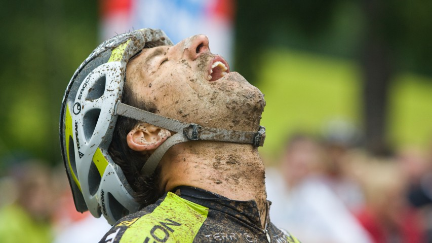 Krafttraining für Biker Teil IIPart 2 der Bikeboard-Fitnessserie widmet sich der Nacken- und Schultermuskulatur. Denn wo gehobelt wird, da fallen Späne ...