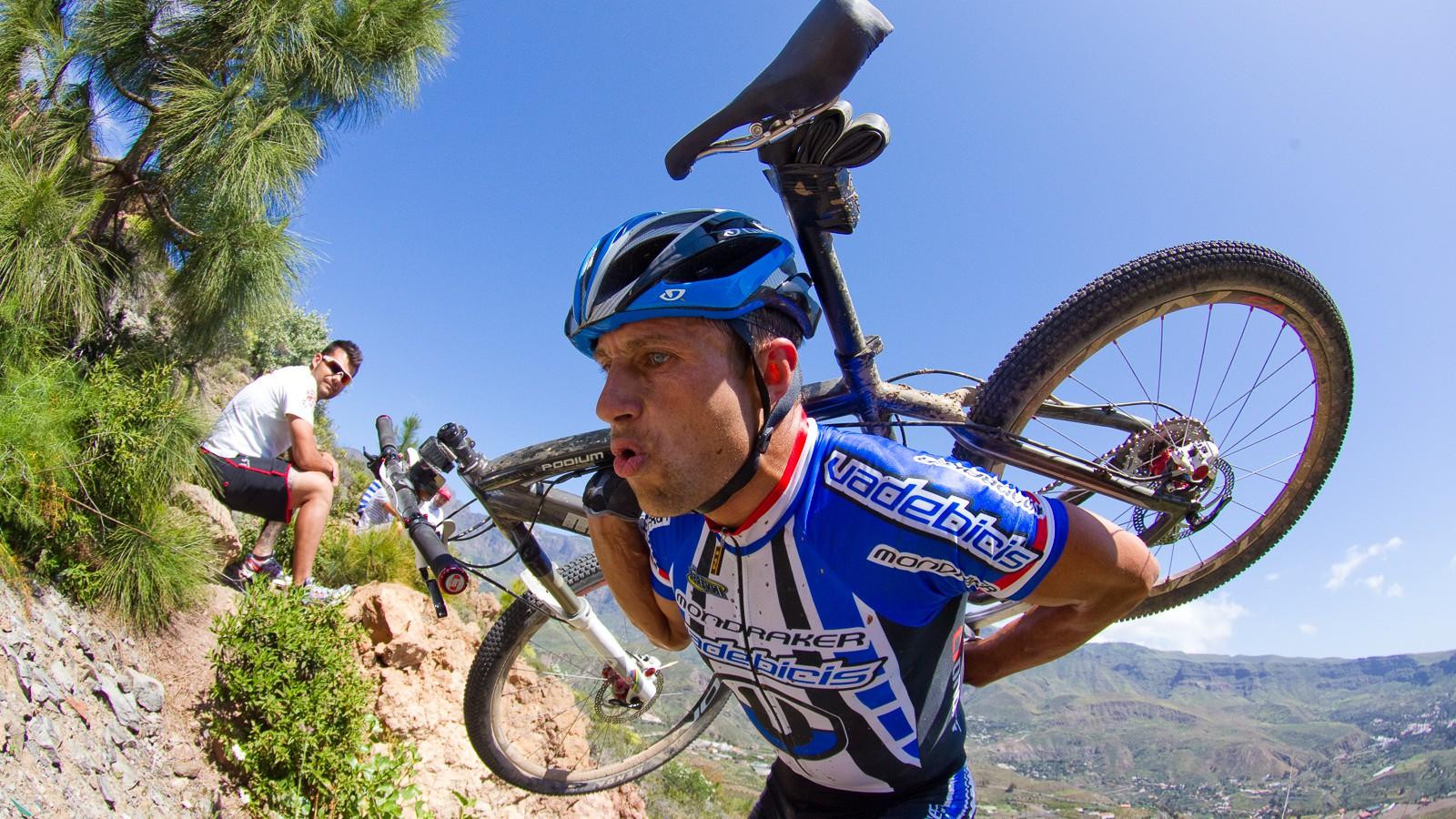Die besagten Partien unseres Bewegungsapparates haben beim Biken oft schwere Belastungen zu tragen ...
