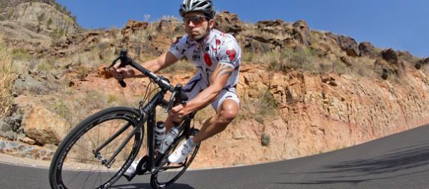 helfen auch am Rennrad - Stichwort Überstreckung oder Kurvenfahren.