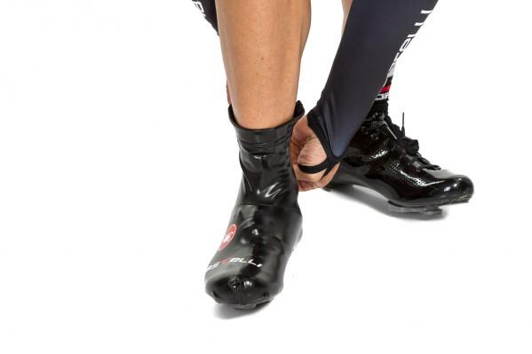 Sie passen sich aber perfekt an die Schuhe und die Beine an.