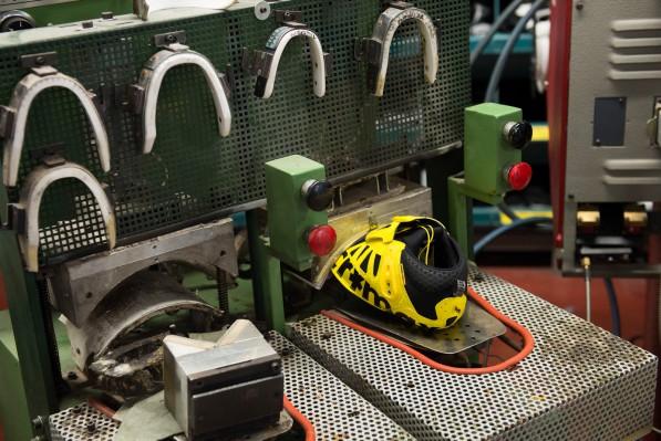 auch die gelben Mavic-Schuhe werden hier entwickelt
