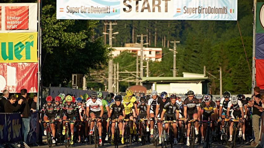 SuperGiroDolomiti Rückblick: Knapp 2.000 Radsportler nahmen heuer die 27. Dolomiten-Radrundfahrt in Angriff.
