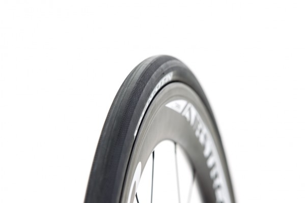 glatter Übergang zwischen Bremsflanken und dem breiten Reifen