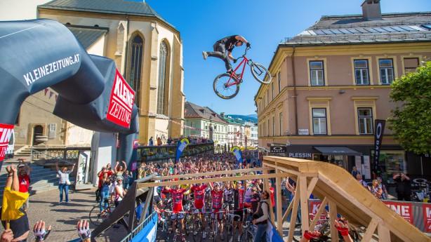 Alpe Adria Giro 2014Die Kombination aus Sport & Show macht das erste Alpe Adria Bikefestival vergangenes Wochenende zu einer neuen Top-Veranstaltung in der Draustadt Villach.
