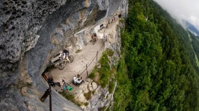 Bildbericht Salzkammergut Trophy 2014Bikeboard.at bei Österreichs größtem MTB-Marathon - fotografierend, fahrend, feiernd zwischen Rekord-Starterfeld und Schnürlregen, Schlammschlacht und Sonnenschein.