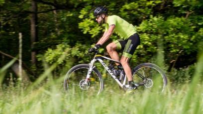 SCOTT SCALE 700 RCSelbstaufbau und Langzeittest eines Scott Scale 700 RC 650B Rahmens, dem Bike des Weltmeisters 2013 Nino Schurter. Entwicklung in 3 Stufen mit einem Ziel: die Bewältigung der Salzkammergut Trophy Extremstrecke.