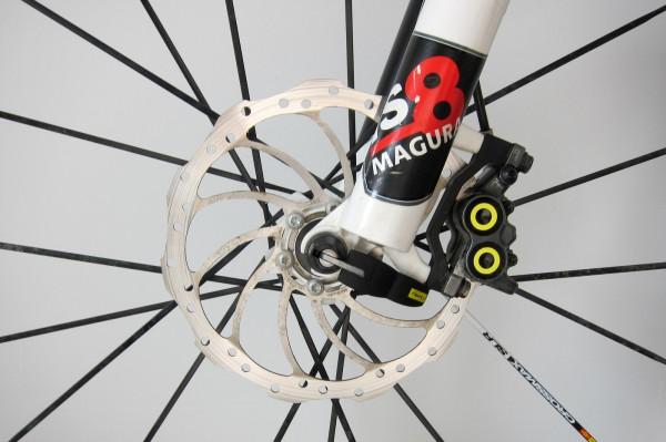 mit dem leichten PM-Adapter von Magura lässt sich eine 180er Bremsscheibe verwenden