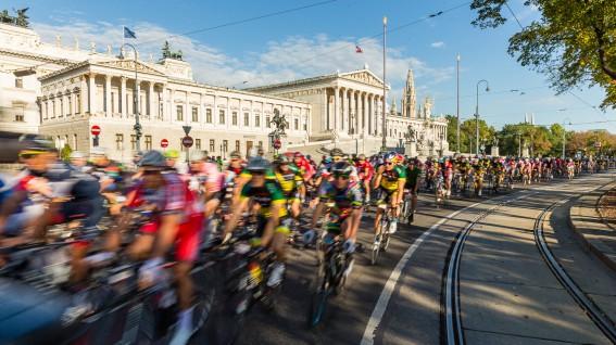 VELOTHON VIENNA 2014Wien fährt Rad. Von einer Premiere, die die Massen begeisterte und einem Format, das das Zeug zum Klassiker hat.