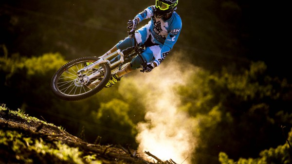 Video: Karim Amour beim Trailsurfen