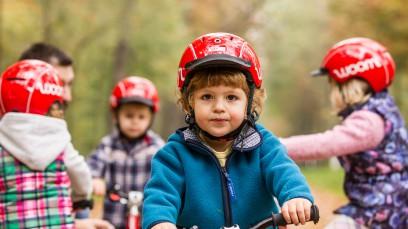 KIDS AUFS BIKE!Wie man Kindern das Radfahren beibringt und was dabei tunlichst vermieden werden sollte. Plus: Das perfekte Kinderrad - worauf es ankommt.