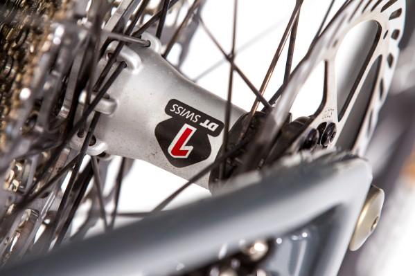 Die XR1501 Laufräder von DT verwenden die bewährte Ratschen-Nabe