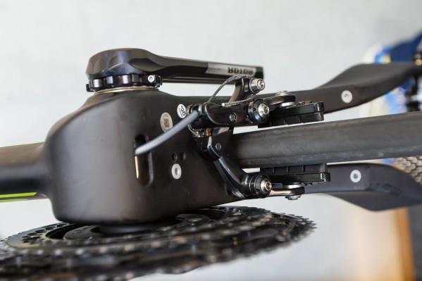 Nun kann die Feineinstellung der hinteren Bremsschuhe erfolgen und der Zug mit der Endkappe versehen werden.