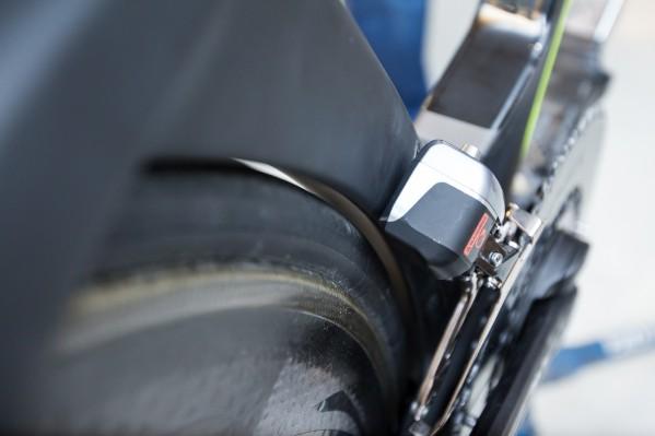 Außerdem sorgen wir für ausreichend Freiraum zwischen Reifen und dem Sitzrohr.