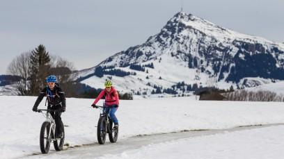 QLOOM WINTERBEKLEIDUNGErstmals bietet das junge Schweizer Label Qloom Winterbekleidung an.