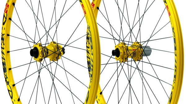 "Mavic Deemax Ultimate 27,5"" und Bikewear 2015"