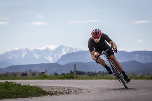 """RIDLEY NOAH SLWir haben für euch den neuen """"all about speed and performance"""" Aerorenner aus Belgien getestet. + Raphas Pro Team Aerosuit"""