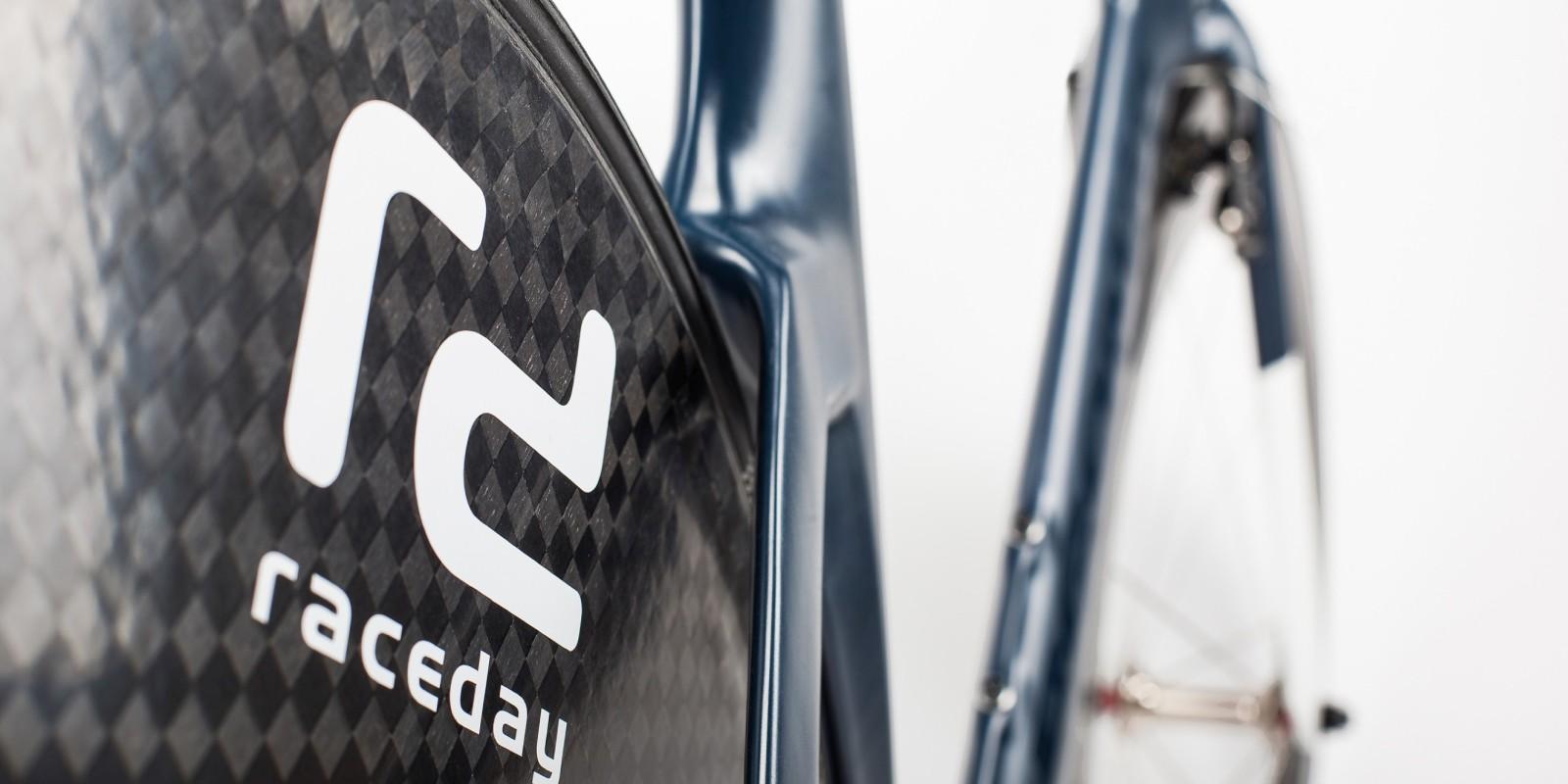 Raceday Bike Auktion von POC