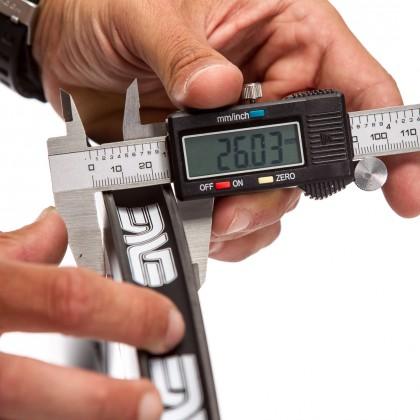Die angegebenen Breiten stimmen mit den Herstellerangaben überein - wir halten die Schublehre nur etwas schlampig