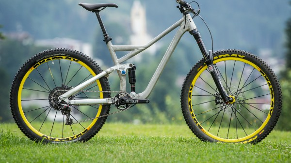 mountainbike fully tests berichte und fotos. Black Bedroom Furniture Sets. Home Design Ideas