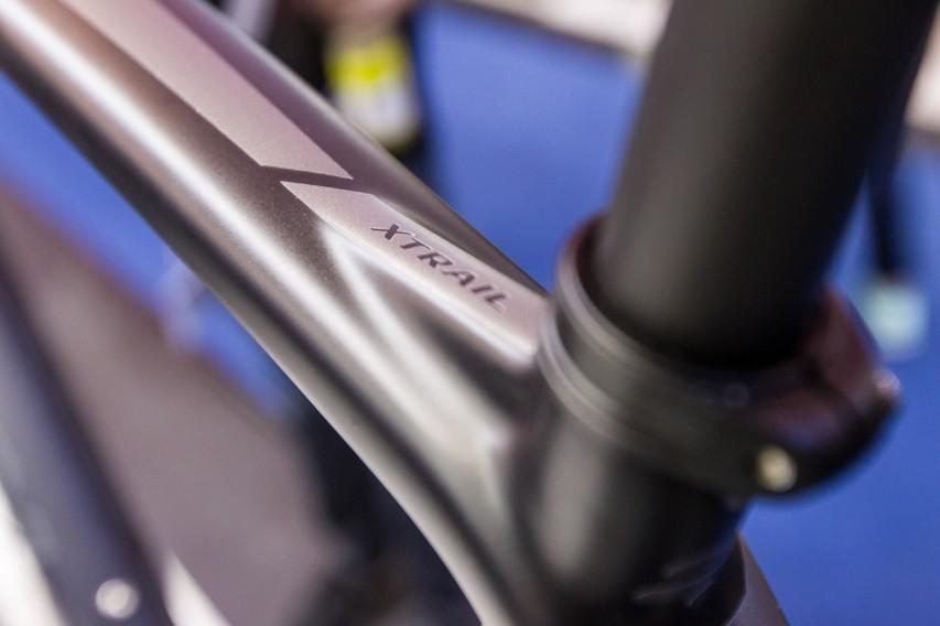 Eine 27,2 mm Sattelstütze verbessert den Komfort.