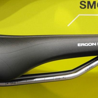 Der SMC4 Sport Gel mit CroMo Gestell und zusätzlichen Gel Pads für € 79,90,-