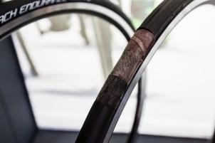 """Innenleben vom Kountach Endurance, dem lt. Kenda leichtesten Dual-Layer Reifen mit """"Flat-Protection"""" (219g)"""