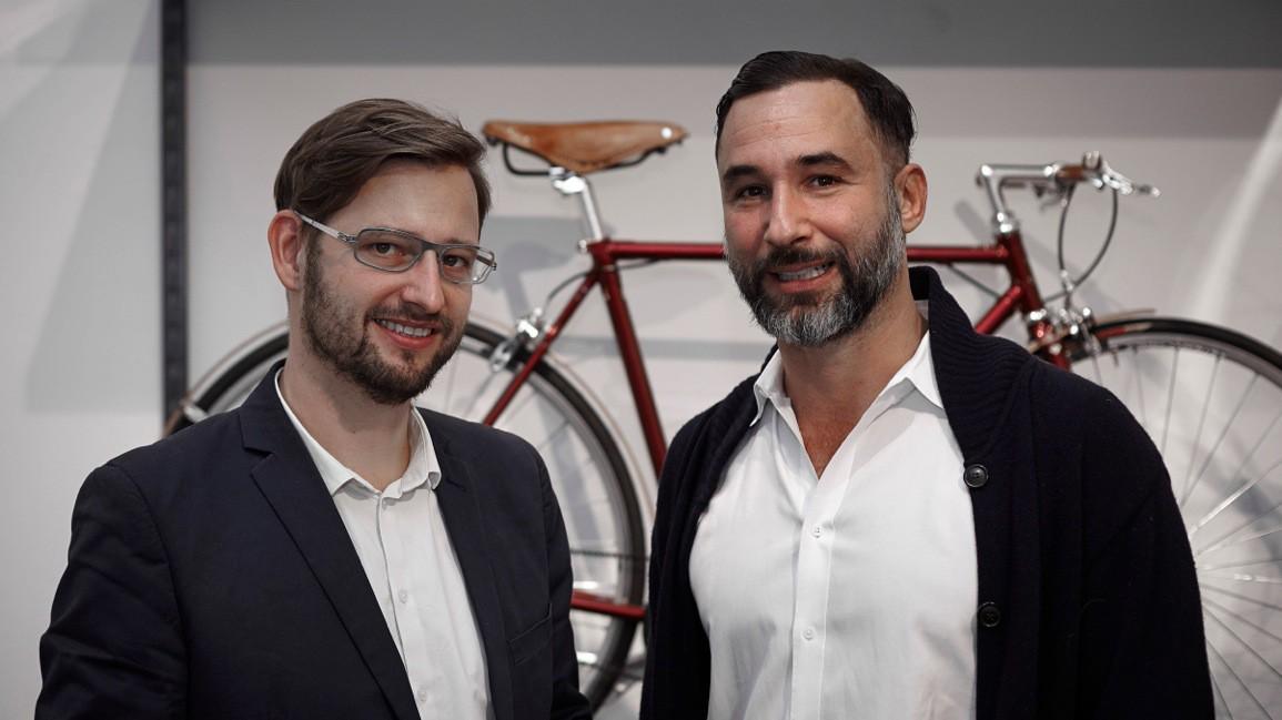 BFS-Geschäftsführer Fares Gabriel Hadid (re.) will in Wien eine emotionale Fahrrad-Plattform etablieren, Radverkehrsbeauftragter Martin Blum (li.) freut sich darauf.
