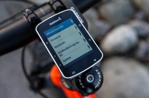 Im Menü gibt's die Möglichkeit Handy + Sensoren zu koppeln